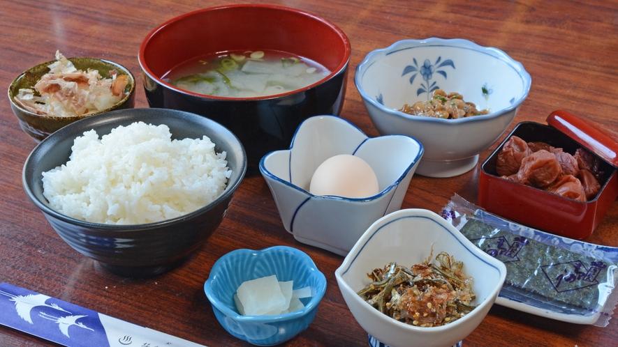 *【朝食一例】素朴であったかい和定食。