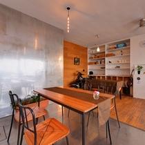 *Sound Swell Cafe/遠く潮騒を聴きながらごゆっくりお食事をお愉しみ下さい。