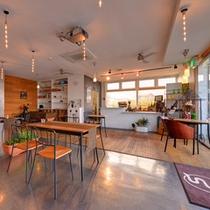 *Sound Swell Cafe/スタイリッシュなダイニングカフェ。朝夕のお食事はこちらにて。
