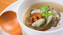 *お夕食一例/磯の香りがほのかに薫るサザエのスープ