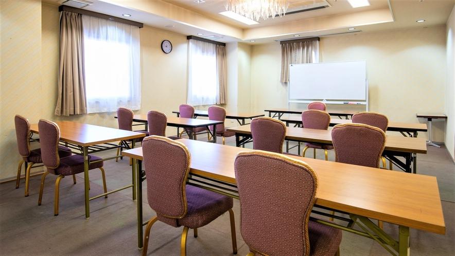 会議室3                     1時間5000円 2時間からお受けいたします。