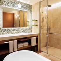 プレミアムオーシャンツイン/キング バスルーム(※お部屋により、形状が一部異なります)