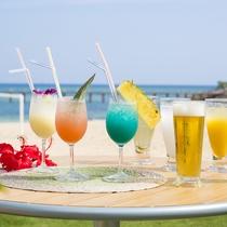 【季節限定】 海を眺めながら、トロピカルドリンクが楽しめます(スターフィッシュビーチカフェ)