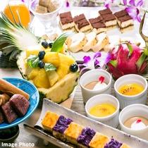 種類豊富なデザートコーナー(画像はイメージ)