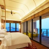 1室のみの贅沢空間 サウスタワー最上階「サンセットスイート(100㎡)」