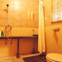 *[スタンダード]シャワールーム:バスタブはありません。滞在中はお気軽に何度でもお使いください。