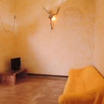 *[スタンダード]白かべのやんわり暖かい空間で、まったりテレビ鑑賞もどうぞ。