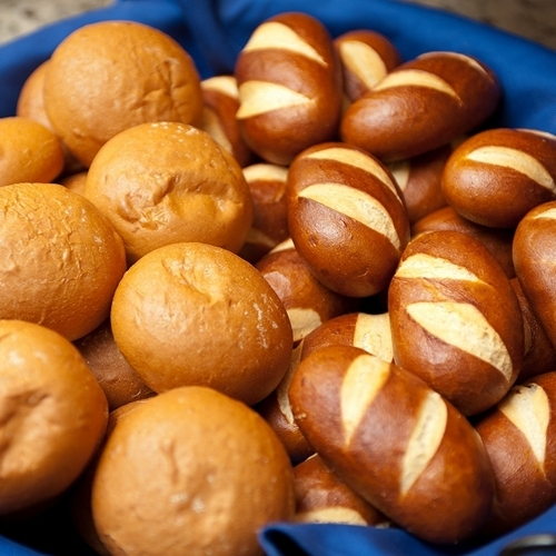 大好評!焼きたてパン朝食