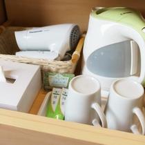 【客室備品】マグカップ・ケトル・イオンドライヤー・ティッシュBOX