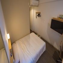 【スタンダードルーム】眠りを追及した140cm幅のワイドベッドと適度な硬さのマットでぐっすり