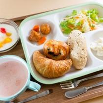 朝食盛り付け例3