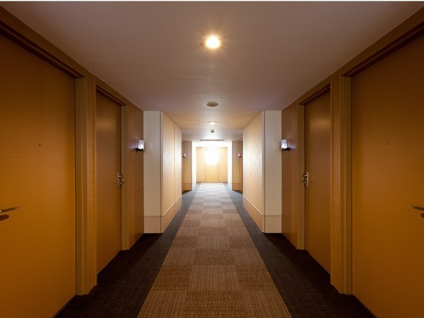 客室 廊下