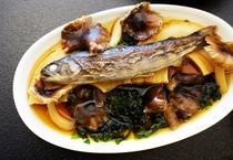 岩魚とキノコのスープ仕立て