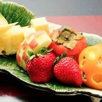 追加料理のフルーツ盛り合わせ