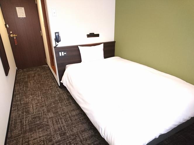 シングルルーム セミダブルベッド