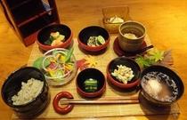 ジュース断食での食事例(日常食に戻る段階、最終日の健康懐石膳)
