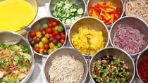 ■朝食のサラダバー■ 地元のお取り寄せ野菜やフルーツなど ※イメージ