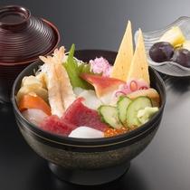 ランチメニューの三浦海鮮丼