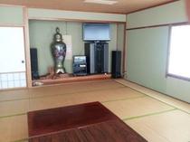 広い部屋(カラオケ・宴会でお使いください)