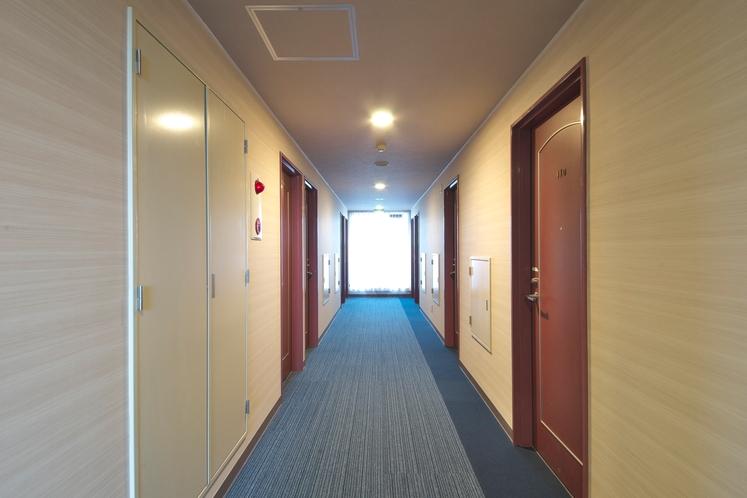 お部屋までの廊下です