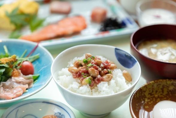 【朝食付】遅いチェックインもOK!朝は南小国産のお米をおなか一杯に!お手軽な一泊朝食付きプラン