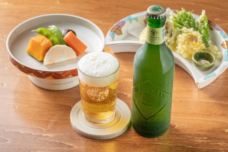 夕食 煮しめ、天ぷら、ハートランドビール