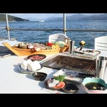 磯焼きコース(海上バーベキュー)