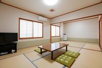 103号室 和室 14畳(8+6)