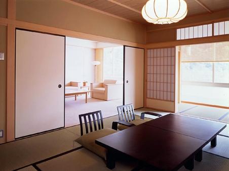 【絶景川側貴賓室】和室+リビング+ツインベットルーム