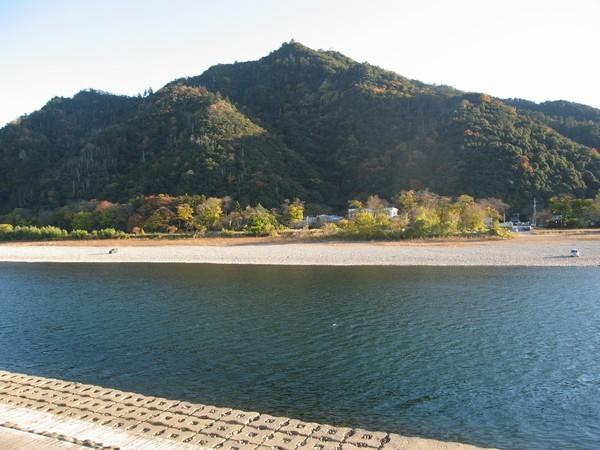 清流長良川と金華山と岐阜城3
