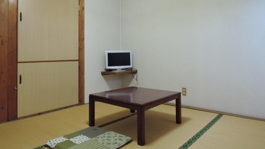 *【和室6畳一例】昭和の雰囲気漂うシンプルな和室。