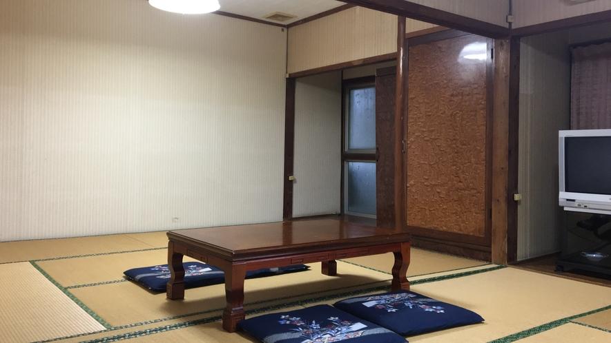 *【和室12畳一例】どこか懐かしさ覚える和室。6名様までご利用可能の広々和室です。