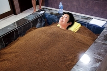 【猿ヶ城ラドン療養泉】サンドバス入浴イメージ