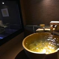 【最上階・露天風呂付〜久遠スイート〜和洋室・73㎡】源泉掛け流しの温泉を愉しむ贅沢な時間