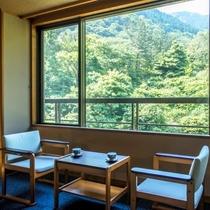 【2〜4階客室〜旅倶楽部〜和室山側】落ち着いた和の空間で寛ぐ