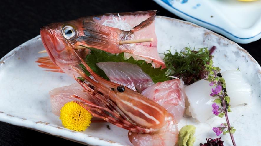 【最高ランク〜庄内久遠会席〜】日本海の幸をふんだんに盛り込んだお刺身五種姿盛り
