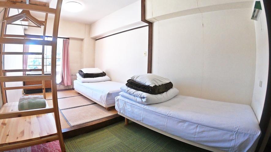 *【お部屋一例/和室】和室の良さとベッドの利便さ、どちらも取りそろえたお部屋です。