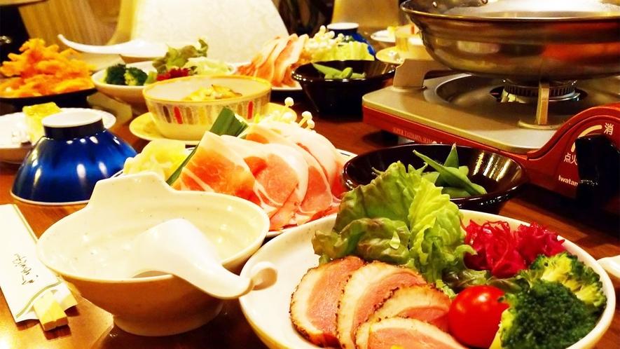 *【夕食一例】寒い季節には身体が温まる「お鍋」をご提供することもございます。