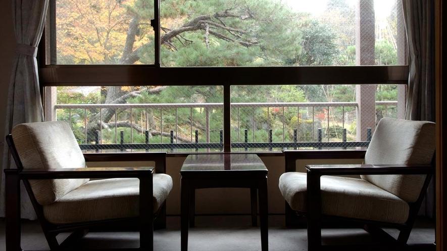 *■和室一例■お部屋からは四季折々の自然がご覧いただけます。