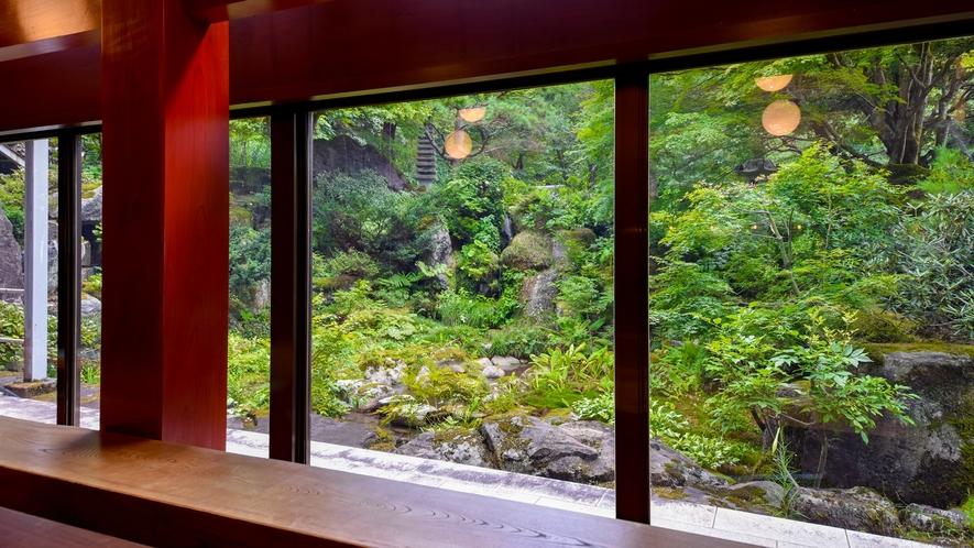 *■ロビー■大きな窓からは豊かな自然がご覧いただけます。
