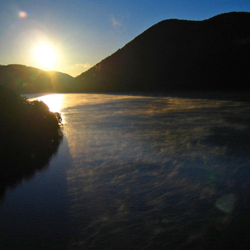 *然別湖の朝陽