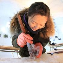 然別湖コタン 氷のグラスづくり体験