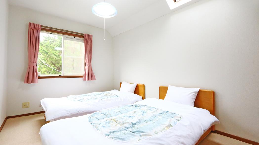 貸別荘ポンポロピンの2階洋室★2階にはツインルームが2室あります。