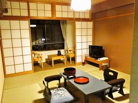 キャビンタイプ 和室8畳 風呂無 共同トイレ【喫煙】