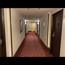 《本館》廊下