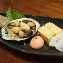 *【ご夕食一例・前菜】季節の食材を使った料理をご賞味下さい