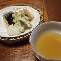 *【ご夕食一例・天麩羅】職人が腕を揮う料理をご堪能下さい