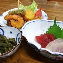*【夕食一例】メニューは日替わりなので、長期滞在にもおススメです。