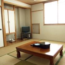 *【客室一例】全室テレビ、DVDプレーヤー、冷蔵庫完備!快適にお過ごしいただけます!