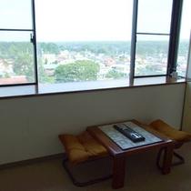 *【喫煙所】窓より那須塩原の町並みを眺めながらリラックスタイムを♪